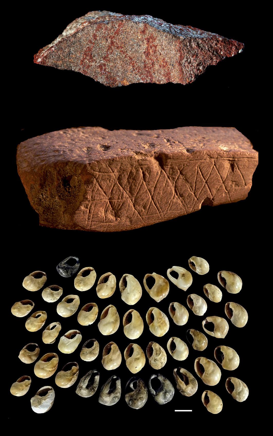 70 000 år gamle arteffakter funnet i Blomboshula. Øverst: tegning malt på steinavsalg. Midten: geometrisk mønster gravert inn på en okerbit. Nederst: smykkegjenstander laget av skjell.