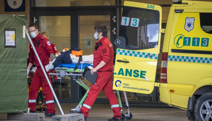 Hvem som fikk covid-19 og hvor syke de ble, forandret seg dramatisk etter at Norge stengte ned. Hva var det som egentlig skjedde?
