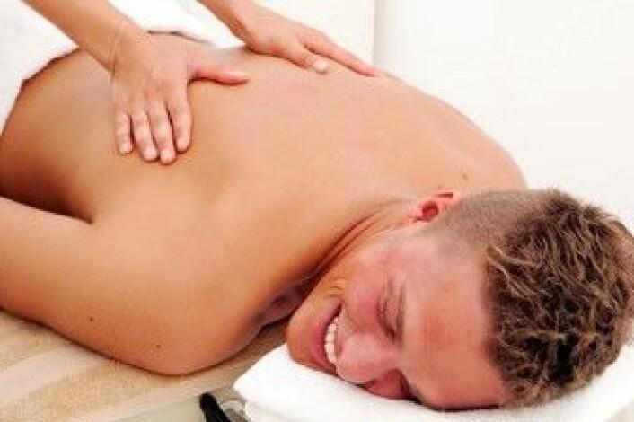 I tillegg til å redusere stress hos friske mennesker, kan massasje minske angst hos sykehuspasienter. (Illustrasjonsfoto: Colourbox)