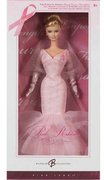 Mattel kastet seg på trenden i 2006 og laget en Pink Ribbon Barbie. En prosentandel av inntektene på salget skulle gå til the Susan G. Komen Foundation. (Foto: Tricia Wang)