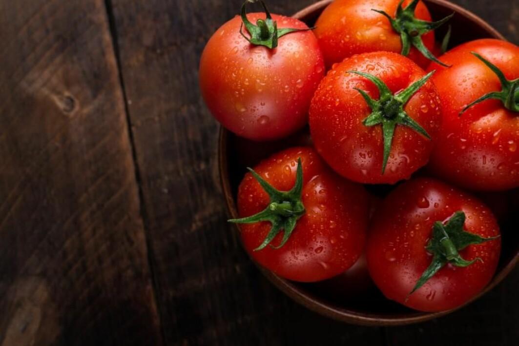 Hvis man vil spise mer klimavennlige grønnsaker, er det en god idé å velge etter sesong, ifølge flere forskere.