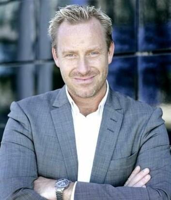 Danmarks Radio har satt manuskriptforfatteren i sentrum. Her er det Borgens hovedforfatter Adam Price som er i fokus. (Foto: DR Presse/Agnete Schlichtkrull)