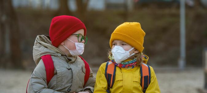 Hvorfor får ikke barn og unge vaksine mot koronaviruset?