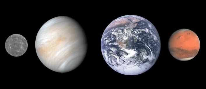 Størrelsessammenligning fra høyre mellom Merkur, Venus, Jorden og Mars.