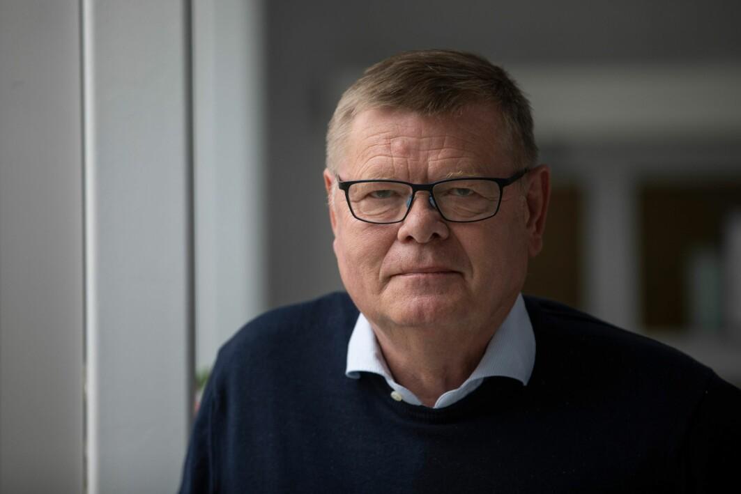 Professor Ørjan Olsvik har erfaring med virusutbrudd fra flere verdensdeler.