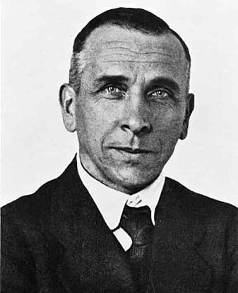 Alfred Wegeners teori fra 1920-årene forandret så dramatisk på det forskere trodde de visste den gangen, at den først ble anerkjent og videreutviklet på 1960-tallet. En fantastisk teori forklarer oss nå hvorfor det finnes fjellkjeder, vulkaner og jordskjelv. Selv døde Wegener under en forskningsekspedisjon til Grønland i 1930.