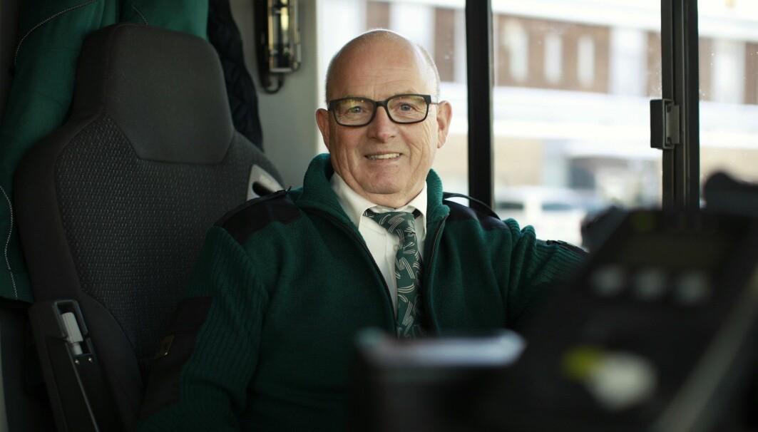 Bussjåfør Kjell Bryni fikk spiserørskreft i 2009, og er en av få som har overlevd kreftformen. Han er glad for at innsamlede penger nå går til mer forskning på sykdommen.