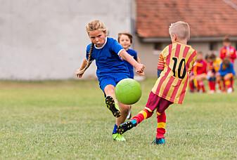 Blir det for dyrt for noen barn og unge å være med på idrett?