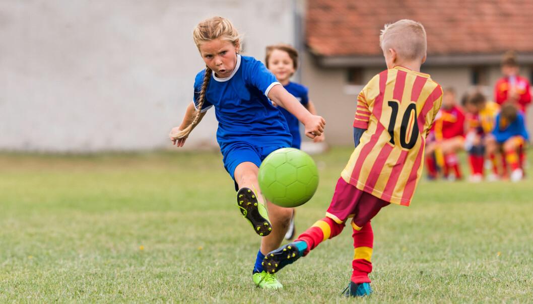 Nesten halvparten av alle barn og unge er med i et idrettslag. Men ikke alle har muligheten. Hvorfor er det slik?