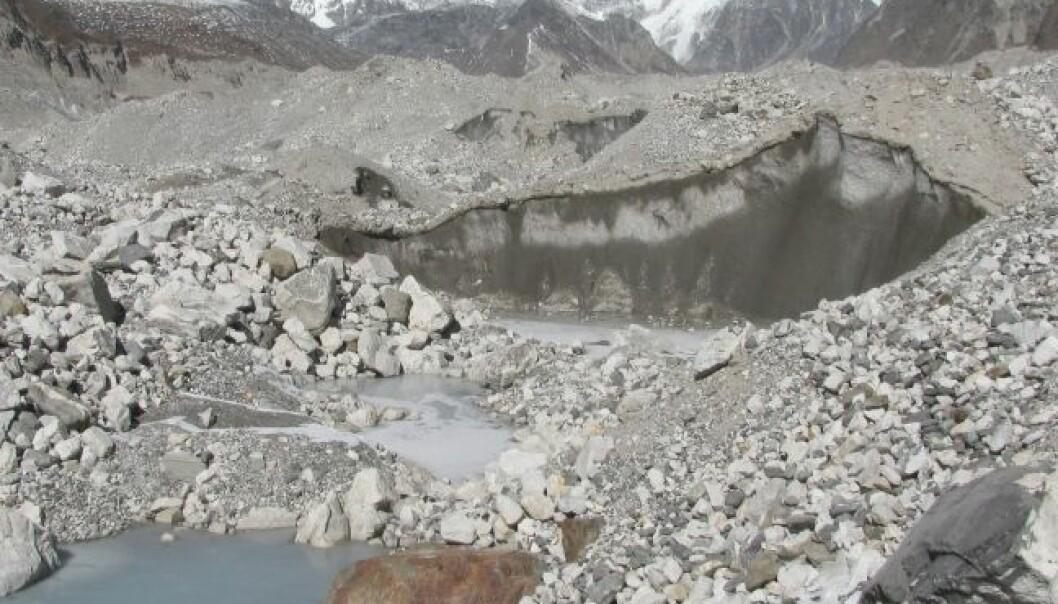 Isen i Himalaya smelter jevnt, selv om det ikke går like kjapt i alle områder. Her fra Ngozumpa-breen i nærheten av Mount Everest, i Nepal. Kimberly Casey