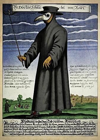 Pestlegene i middelalderen brukte masker med nebb fylt med urter som dempet stanken av død, men de trodde også at urtene beskyttet mot smitten. Logikken er ikke helt ulik dagens ansiktsmasker og visirer.