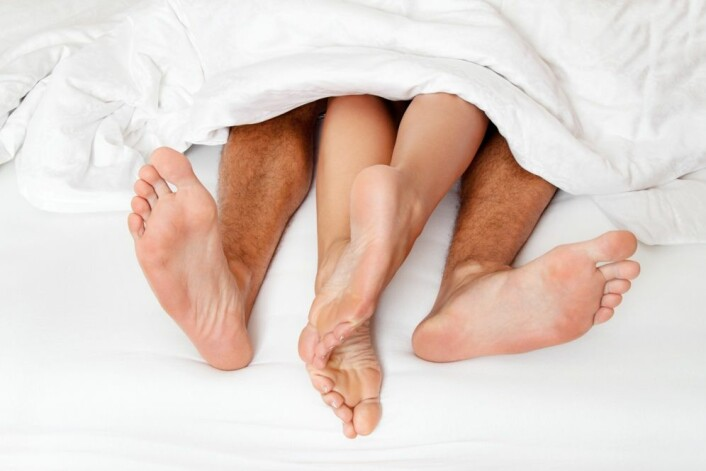 Ny forskning tyder på at størrelsen og plasseringen av kvinnens klitoris kan påvirke mulighetene for å få orgasme. (Foto: Colourbox)