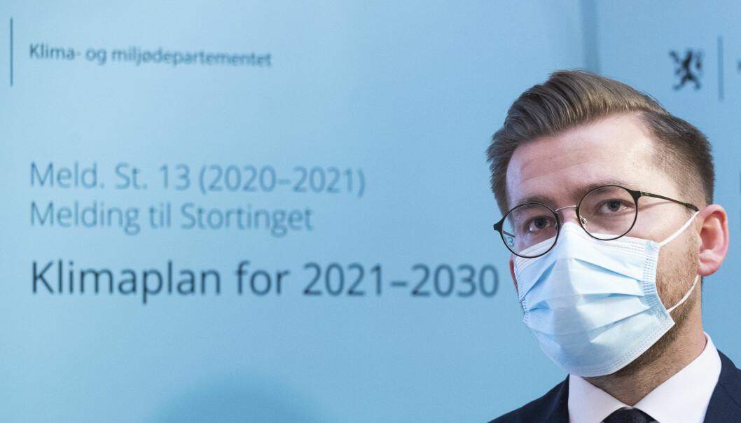 Klima- og miljøminister Sveinung Rotevatn under presentasjonen av stortingsmeldingen