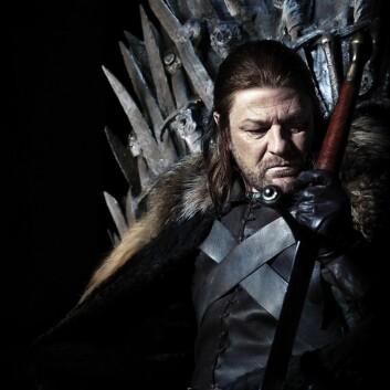 I TV-serien Game of Thrones blir man godt kjent med flere av figurene. Ned Stark blir halshogd foran datteren og millioner av fans. (Foto: HBO Nordic)