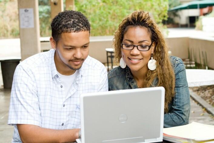 Bare en av tjue svarte sørafrikanere fullfører høyere utdanning, ifølge ny rapport fra SIU. (Foto: NTB scanpix)