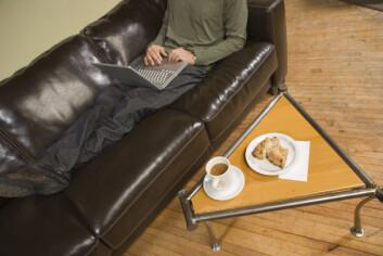 Nordmenn sitter dønn i ro 60 prosent av døgnets våkne timer. (Foto: Ingram Publishing)