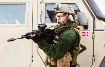 Hvis staten må velge, bør den støtte de selskapene i forsvarsindustrien som leverer utstyr som sikrer Norge strategisk. Det er for det meste de store bedriftene. (Illustrasjonsfoto: Forsvaret/Jan Egil Kvam/Hæren)