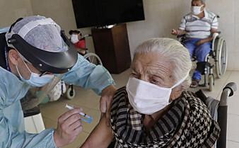 Ingen dødsfall er direkte knyttet til koronavaksine, ifølge eksperter