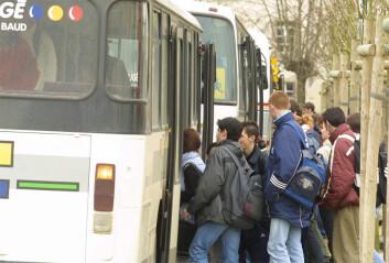 I Brisbane i Australia er bussjåfører utstyrt med et såkalt «spit-kit», som skal gjøre det mulig å samle bevis mot spyttende busspassasjerer. Bare ett av eksemplene på at genomæraen er rykket tettere på hverdagen vår. (Foto: Colourbox)