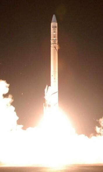 Israelerne har selv utviklet raketten Shavit-2, som er i stand til å ta deres egne satellitter opp og ut av atmosfæren. Der oppe brukes satellittene til forskning, eller like gjerne til å spionere på fiendtlige naboer. (Foto: חובבשירה/Wikimedia Creative Commons)