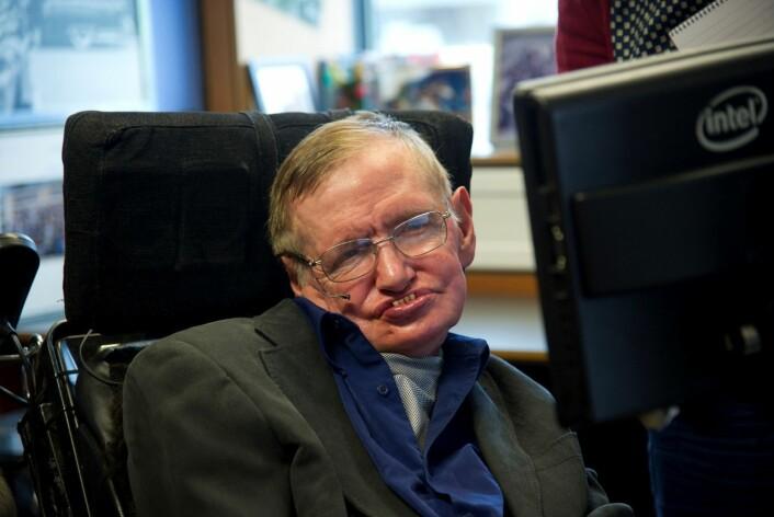Stephen Hawking, som sier at han har vært overbevist om inflasjonsteorien siden 1982, vant mandag endelig veddemålet med Neil Turok. (Foto: Handout, Reuters)