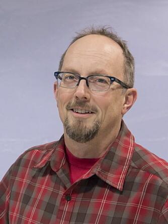 Jack Kohler er forsker ved Norsk Polarinstitutt. Han følger med på endringer i isbreene.
