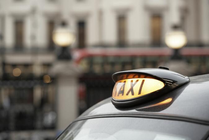 Buss- og taxitrafikken økte da avgiften ble innført.