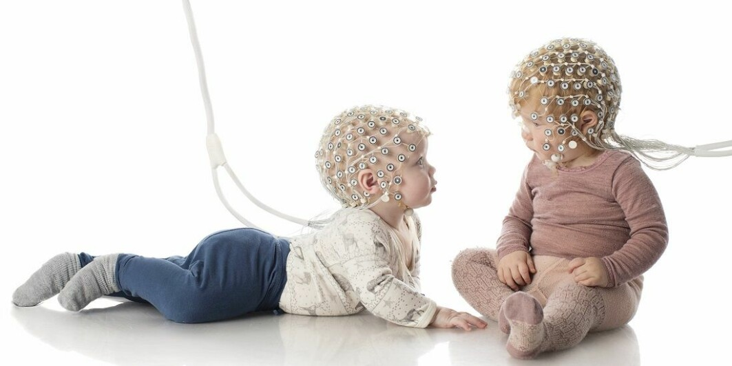 Professor Audrey van der Meer believes that even newborns need to be stimulated and challenged so that their brain development can take off.