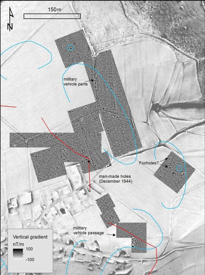 Her er en større del av bildet, som viser hvilke deler av slagmarkene forskerne har undersøkt. De gravde ut deler av den øverste firkanten, et sted der historikere etter krigen mente de amerikanske troppene ikke var.