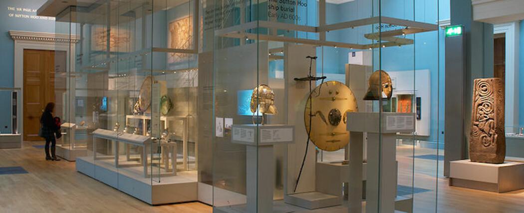 Skattene fra Sutton Hoo står i dag utstilt i British Museum i London.