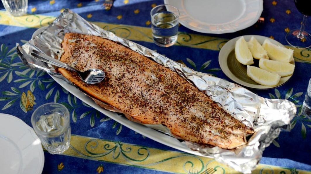 Forskere har undersøkt innholdet i tre av de vanligste fete artene: laks, makrell og sild.