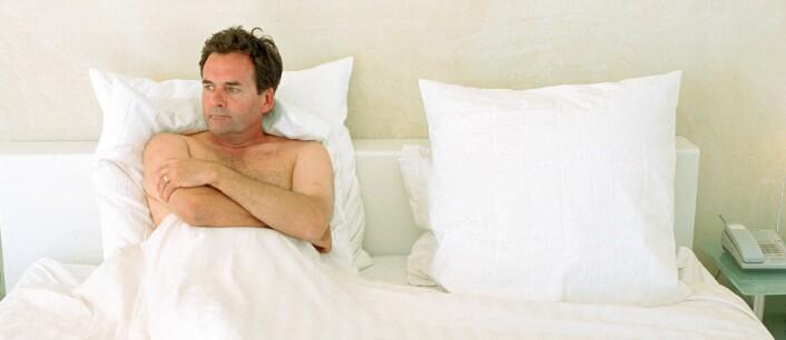 Et stabilt parforhold virker positivt på livskvaliteten og helsa. Menn som tidlig faller utenfor, blir oftere enslige. (Foto: Colourbox)
