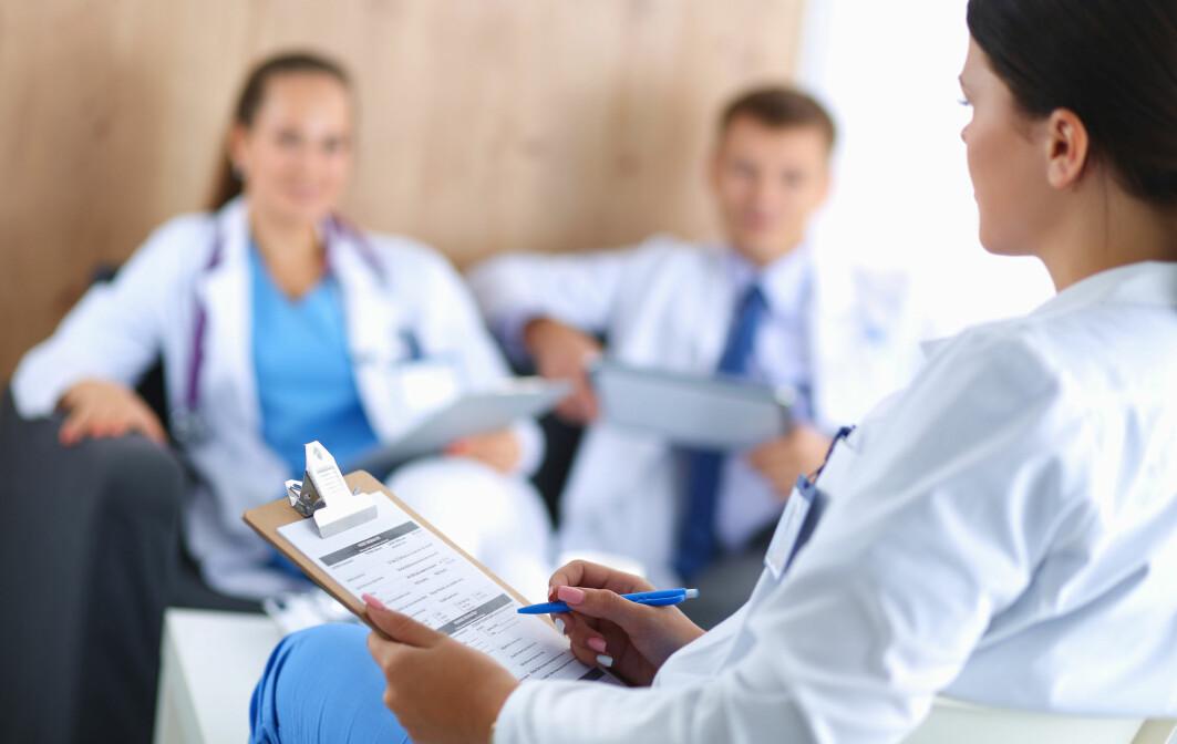 Ein arbeidmetode på sjukehus er å gje farmasøyten ansvar for systematisk legemiddelbehandling.