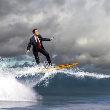 Å vise deg selvsikker kan bli ditt surfebrett i livet. (Foto: Colourbox)