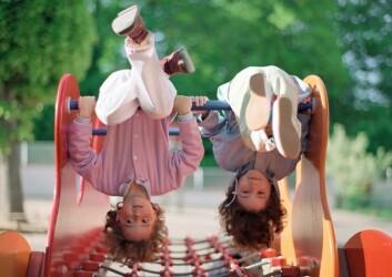 Ikke bare høyt tempo på leken, men også på utviklingen av hva barn vet og forstår om tanker og følelser i 5-10 års alderen. (Illustrasjonsfoto: www.colourbox.no)