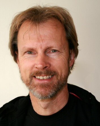 Bjarne Bråstad forteller om endringer i stressnivå hos dyr når de utsettes for ulike typer musikk. (Foto: Janne Brodin, UMB)