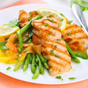 Fet fisk, som sild, makrell, kveite, laks og ørret, er den vanligste kilden til PCB i Norge. (Foto: Shutterstock)
