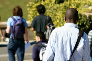 Doktorgradskullene ved norske forskningsinstitusjoner blir stadig mer internasjonale. Hvor mange bør vi forsøke å beholde her til lands? Kanskje flere enn én av fire afrikanere? (Illustrasjonsfoto: Colourbox)