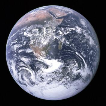 Jorden begynte langsomt å få sitt utseende for 3,2 milliarder år siden. Da oppsto den moderne platetektonikken. Det har hatt innflytelse på alt fra kontinentenes utforming og klimaet til livets utvikling på jorden. (Foto: NASA)