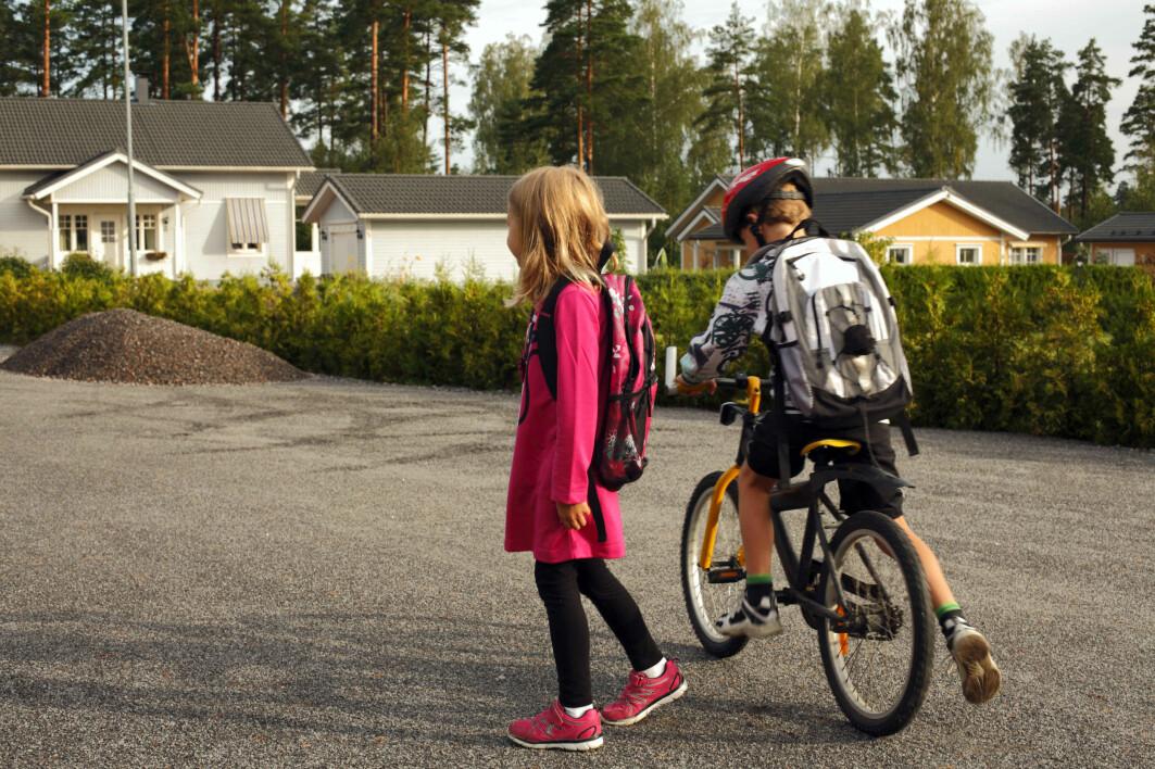 Med nedstengningen ble det slutt på vanlig aktivitet som å gå eller sykle til skolen.