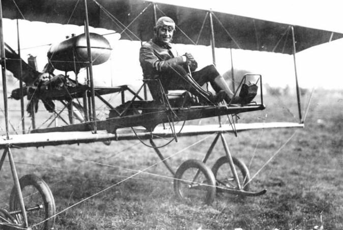 Satellitten har fått navnet BRIK-II, etter det nederlandske luftforsvarets første fly, BRIK, som fløy første gang i 1913.