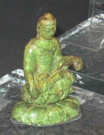 Buddhastatue fra 500-tallet, funnet på Helgö i Sverige (Foto: Berig/Wikimedia Commons)