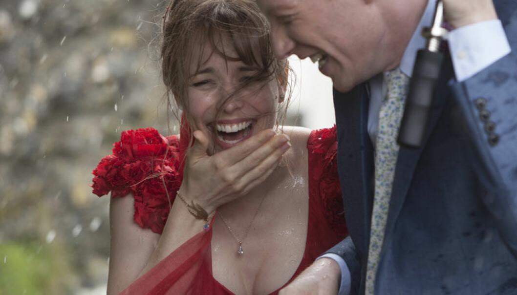 Ifølge en dansk forsker har vi fra naturens side en tilbøyelighet til å elske filmer som handler om å finne og miste kjærlighet. Her fra filmen About Time. United International Pictures
