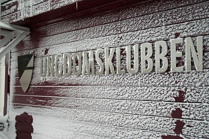 «Longyearbyen fungerer godt som et familiesamfunn, i tråd med myndighetenes ønsker,» heter det i NIBR-rapporten. (Foto: Georg Mathisen)