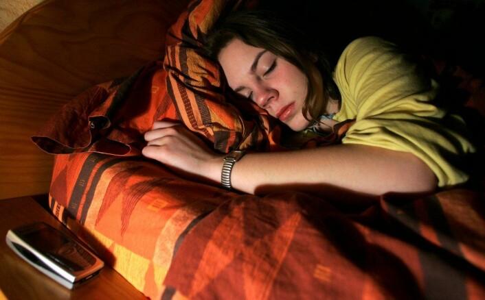 Mange sover godt i et rom som er mellom 15 og 22 grader. (Foto: Colourbox)