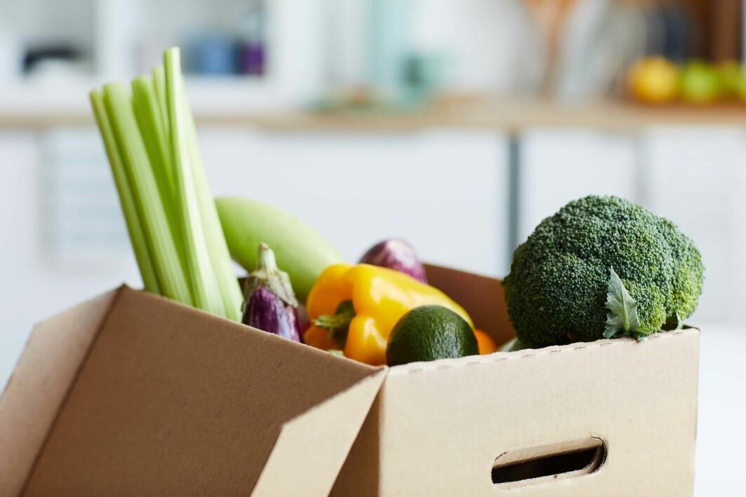 Den enkleste måten å unngå å kaste mat på er å la være å kjøpe mat som du ikke klarer å spise opp.