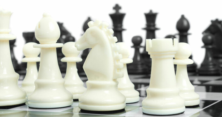 I teorien er sjakk bare en forvokst versjon av bondesjakk, bare med utrolig mange flere mulige trekk. (Foto: Colourbox.com)