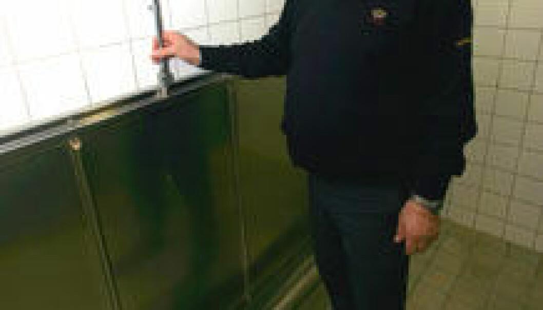 """""""Spylefrie urinaler avgir ikke mer lukt enn vanlige urinaler, mener professor Oddbjørn Sjøvold."""""""