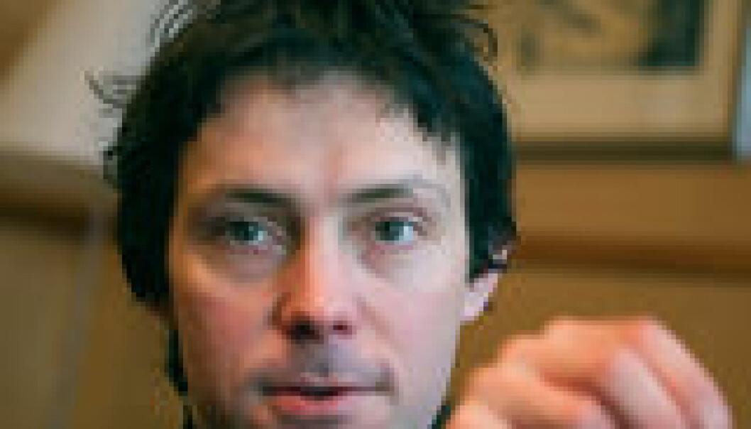 """- Språket er en pakke med klosser som skal sorteres, sier Arne Martinus Lindstad"""