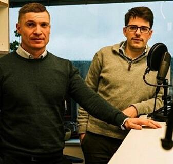 Harald Borgebund (til venstre) og Sondre Lindahl står bak podcasten Statvitenskap og sånt.